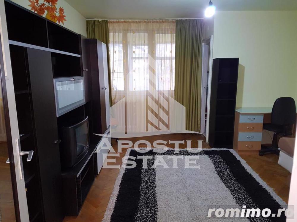 Apartament spatios cu o camera in zona Take Ionescu