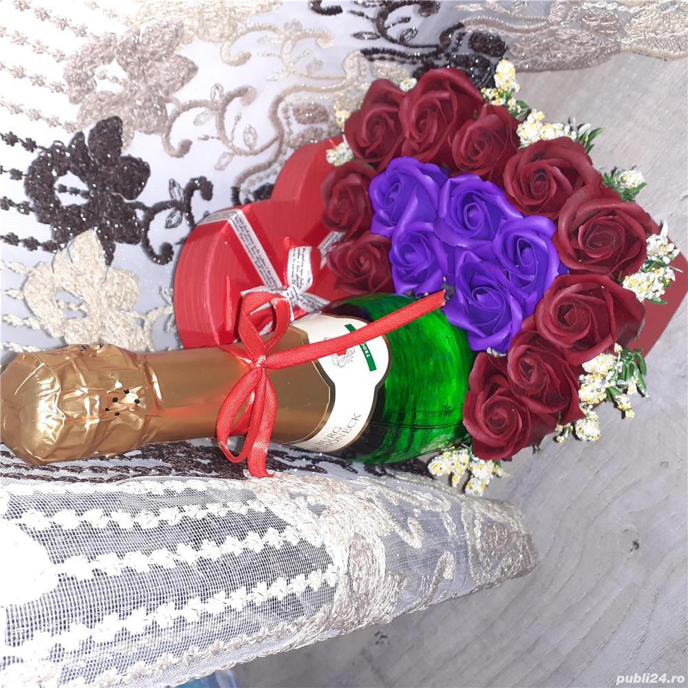 Aranjamemte pentru Craciun,  aranjamente realizate di flori de sapun