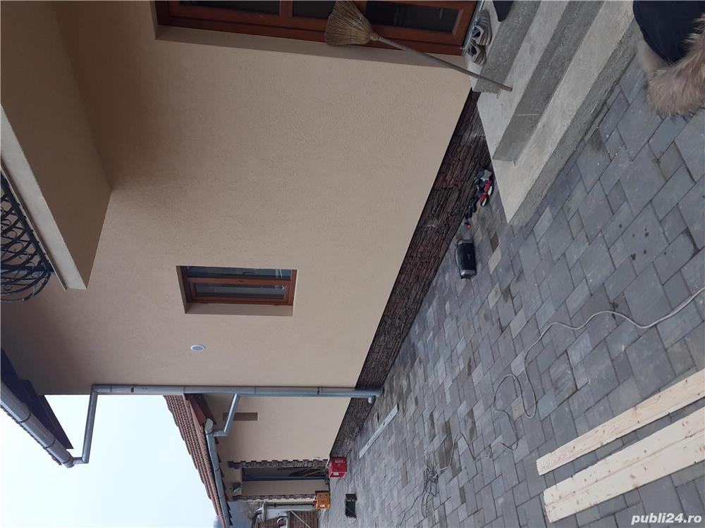 zigravesc apartamente case reparati lucru cu adeziv tinci. decorativa