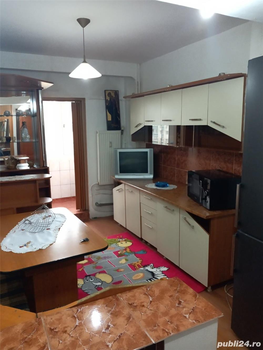 Proprietar inchiriez apartament 2 camere renovat modern recent - PETRE ISPIRESCU