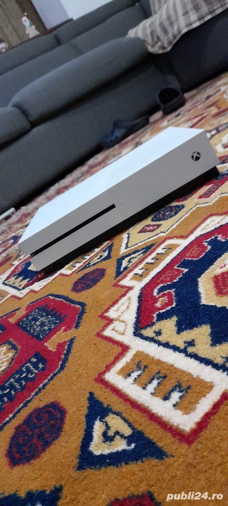 xbox one S,1TB;white