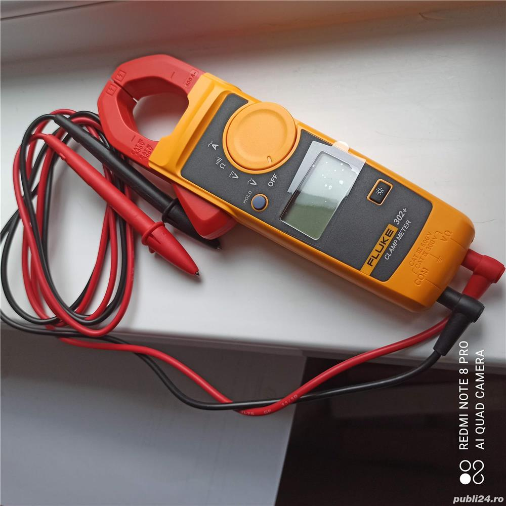 Fluke 302+ Digital Current Clamp Meter