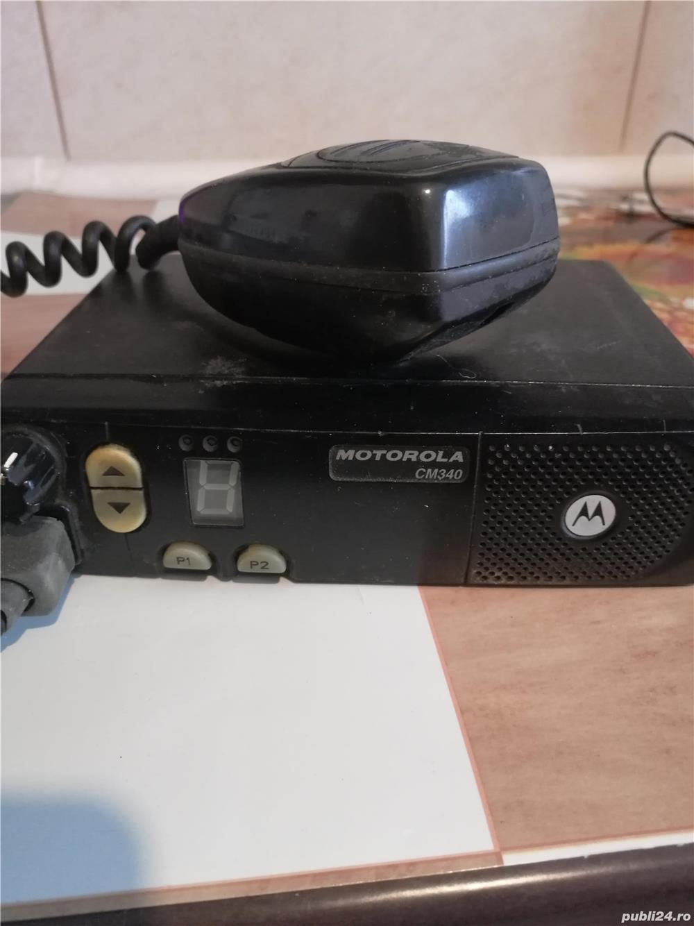 Vând stație Motorola CM340