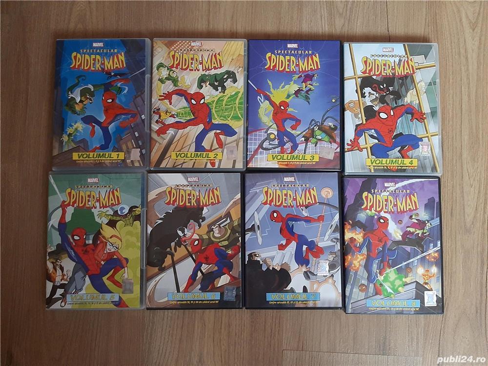 Vand colecție 8 DVD-uri cu Spiderman pt copii