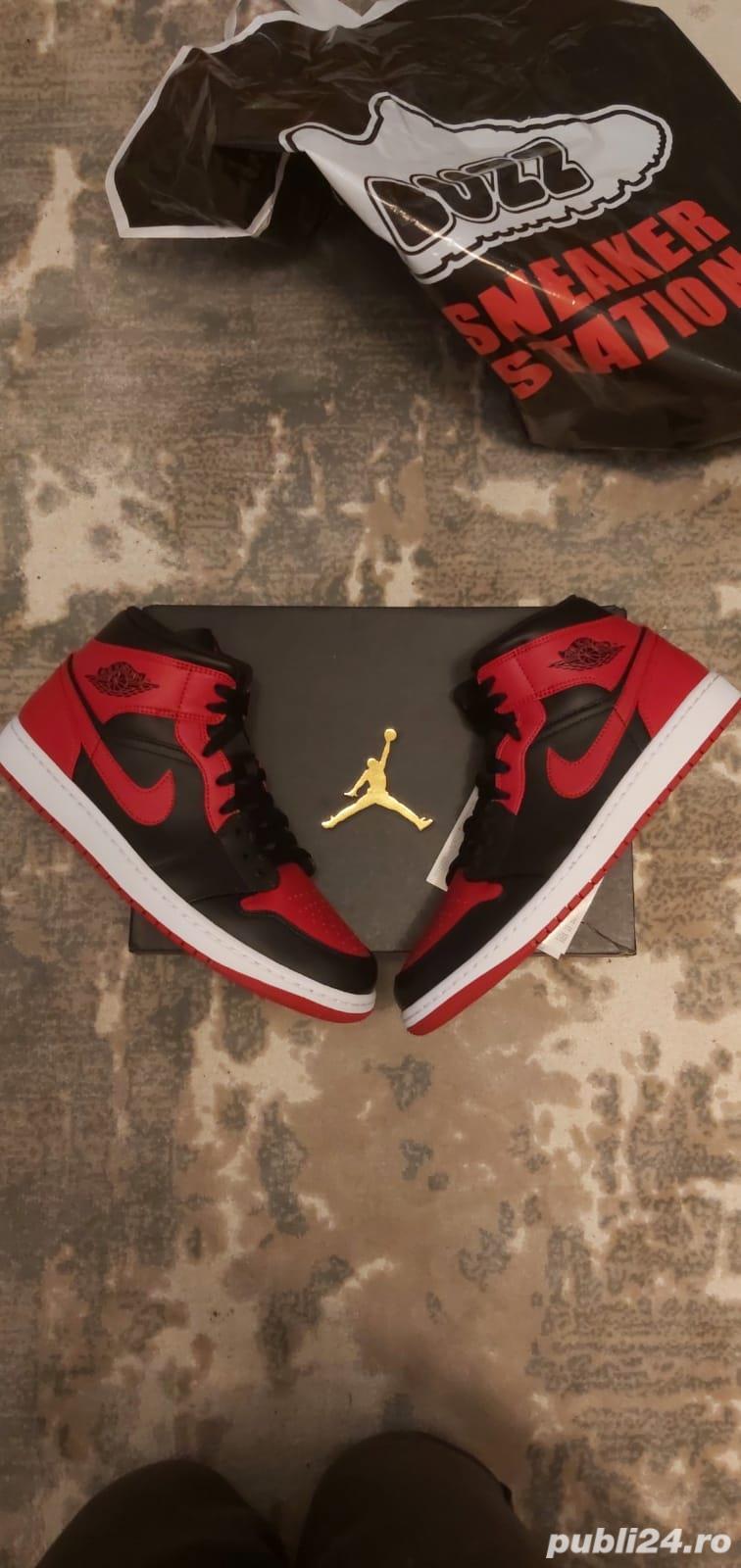 Jordan 1 Mid Banned 45