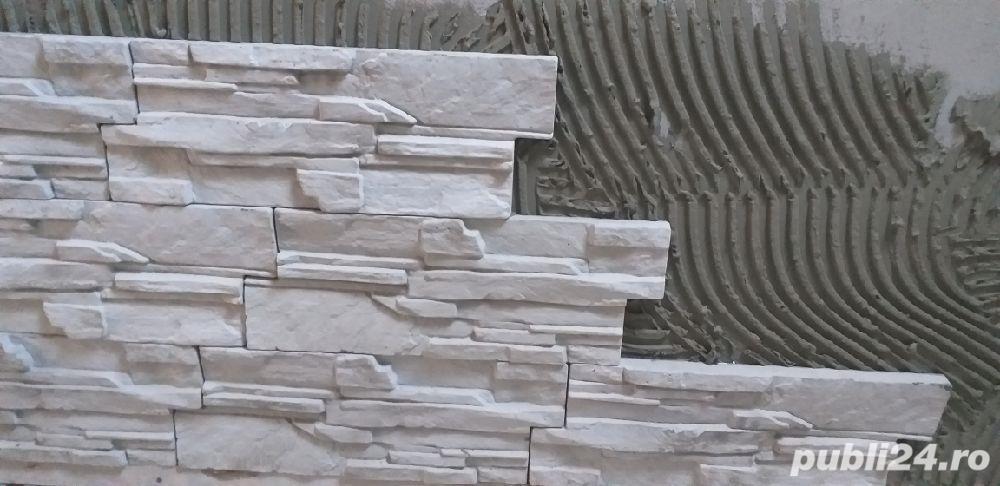 vand piatră decorativă la super pret