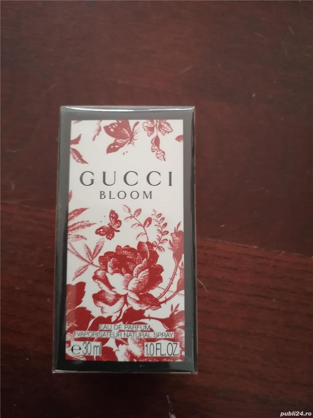 Vând parfum gucci, Bloom, în cutie, tipla, 30ml