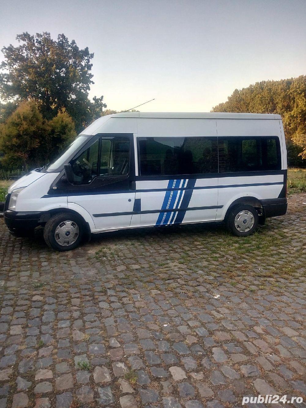 transport privat persoane cu microbuz8+1