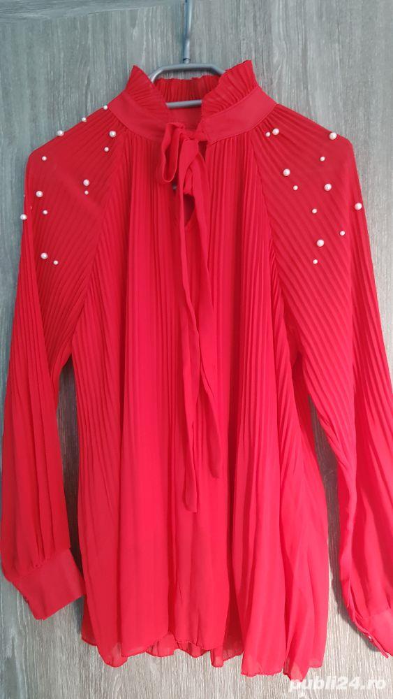bluza voal creponat rosu cu aplicații