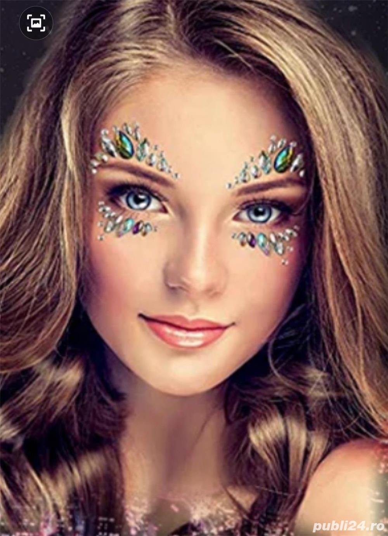 Cristale self adezive pt machiaj facial