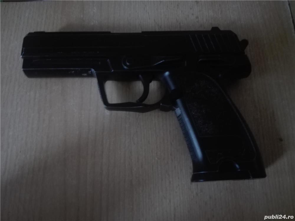 Pistol Airsoft full metal puternic cu bile de 0.25 !! In stare buna