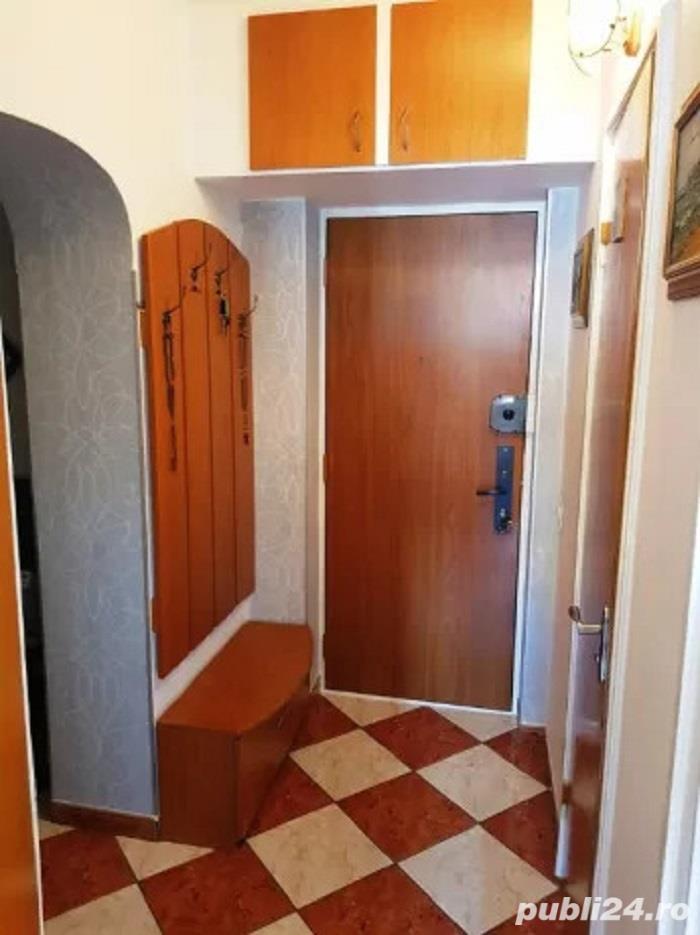 vand apartament cu 3 camere MOSILOR