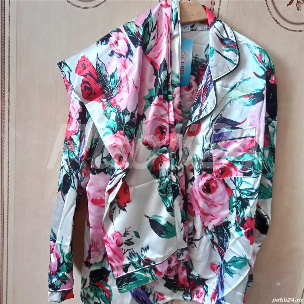 Pijama dama cu imprimeu floral din satin, marimea L