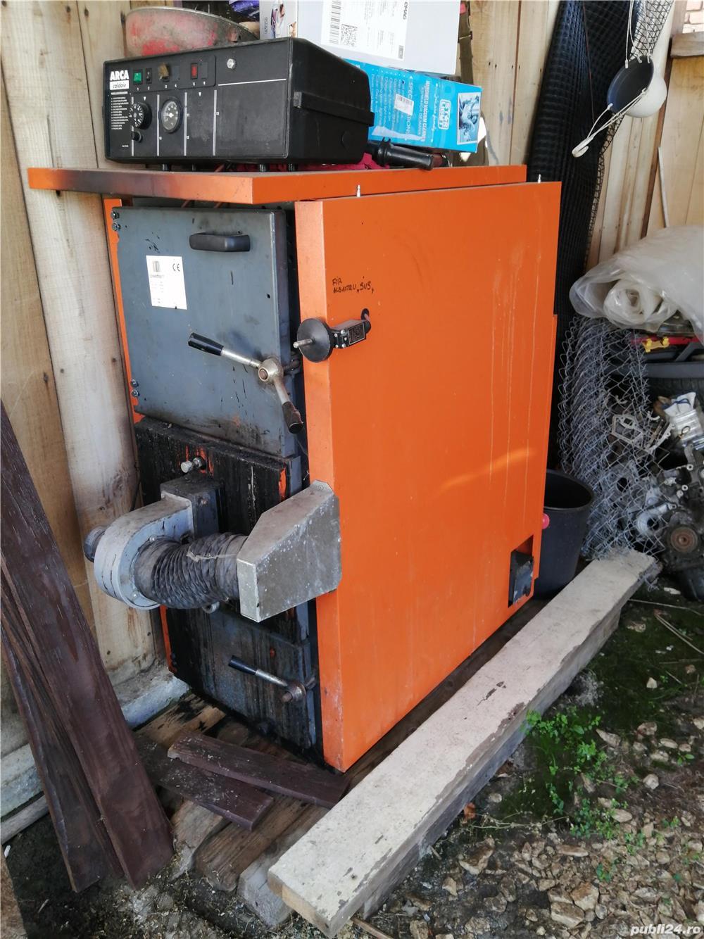 Vând centrala termica pe lemne arca 33kw cu gazeificare