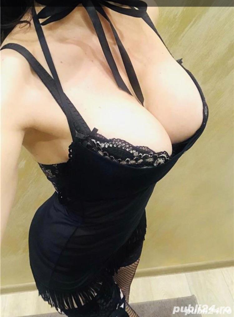 Slim cu sânii mari