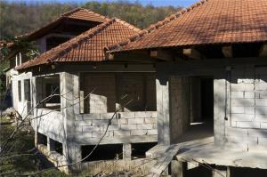 Casa la rosu/pensiune in sat Bretelin, com. Vetel (la 12 km de Deva) - imagine 1