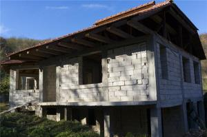 Casa la rosu/pensiune in sat Bretelin, com. Vetel (la 12 km de Deva) - imagine 2