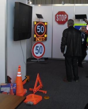 indicatoare rutiere cu leduri si solar - imagine 2