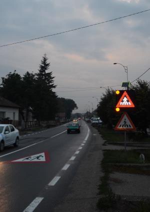indicatoare rutiere cu leduri si solar - imagine 4