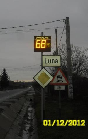 indicatoare rutiere cu leduri si solar - imagine 8