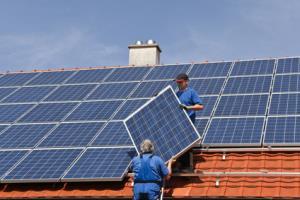 Executam montaj panouri solare - imagine 1
