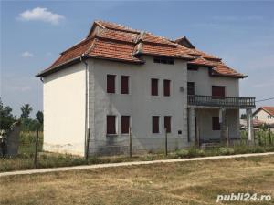 Vand casa in Uivar - imagine 1