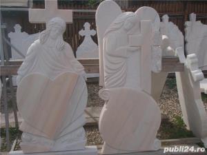 Monumente funerare,cruci marmura,(producator)De la 700 lei! - imagine 1