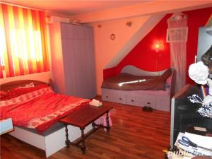 Inchiriez camere in vila conditi decente 100E/camera BUCURESTI - imagine 19