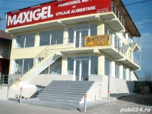 De inchiriat Showroom/Magazin/Birouri/Office Pitesti, 185 mp/nivel/1000 euro net+taxe - imagine 3