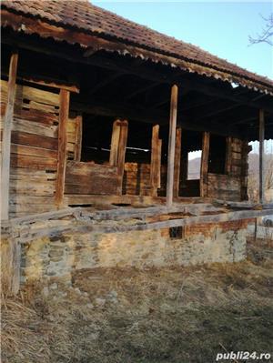 Casa veche din lemn masiv - imagine 3