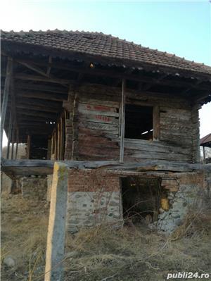 Casa veche din lemn masiv - imagine 2