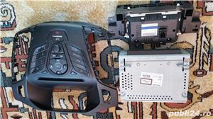 Vand unitate audio RCD Ford Focus 3 an 2012 (stare foarte buna - imagine 3