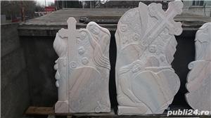 Monumente funerare/ cruci marmura din stoc.Livrare rapida!De la 700 lei! - imagine 1