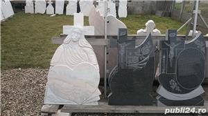 Monumente funerare/ cruci marmura din stoc.Livrare rapida!De la 700 lei! - imagine 5