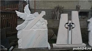 Monumente funerare/ cruci marmura din stoc.Livrare rapida!De la 700 lei! - imagine 7