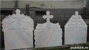 Monumente funerare/ cruci marmura din stoc.Livrare rapida!De la 700 lei! - imagine 9