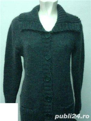 Pulovere si jachete tricotate - imagine 5