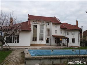 Mehala,Vila P+1E+M,s- 660 mp,t- 2500 mp,9 camere,5 bai,teren tenis,piscina,pret 399.000 euro  - imagine 10