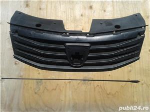 Masca si antena Dacia Logan - imagine 1