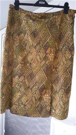 Fusta din stofa de casmir - imagine 3