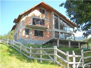 Bran POARTA Casa la rosu 65 000 € - imagine 4