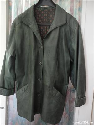 haina de piele verde culoarea anului  - imagine 4