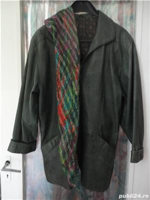 haina de piele verde culoarea anului  - imagine 3