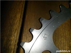 foaie placa pt angrenaj pedalier  nefolosita 5 gauri aluminiu  compatibila shimano  - imagine 1