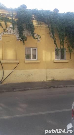 vanzare casa curte - imagine 2