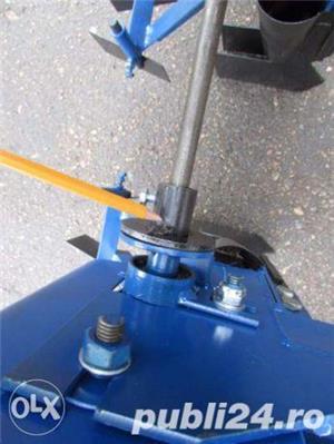 Semanatoare 6 randuri Tractor pentru usturoi si arpagic ceapa bulbi  - imagine 9