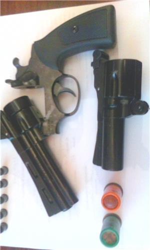Vand pistol cu bile din cauciuc pentru autoaparare - imagine 1