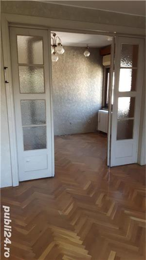 vand apartament in vila zona piata dorobanti  - imagine 2