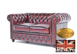 Canapea din piele naturală -Roșu Antique -2 locuri -Autentic Chesterfield Brand-IN STOC - imagine 3
