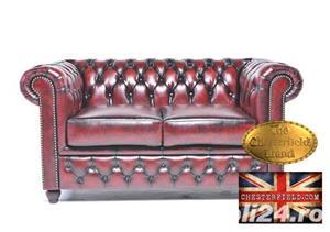 Canapea din piele naturală -Roșu Antique -2 locuri -Autentic Chesterfield Brand-IN STOC - imagine 1